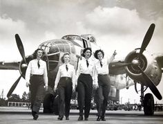 """female pilots WW II. Flying a B-25 """"Mitchell"""" was a hell of a job !"""