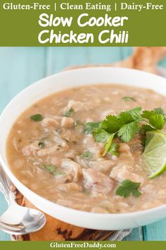 This is the best slow cooker gluten free white chicken chili recipe I've ever eaten. It's also a nice change from regular chili. Slow Cooker Recipes, Crockpot Recipes, Soup Recipes, Cooking Recipes, Healthy Recipes, Cooking Chili, Keto Recipes, Healthy Eats, Chicken Recipes