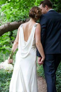 Beautiful open back wedding dress #JanayA.