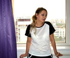 Kaiyo.Aino.Blog: OOTD: Haine comode de casă Ootd, Nostalgia, V Neck, Blog, Outfits, Women, Fashion, Moda, Suits