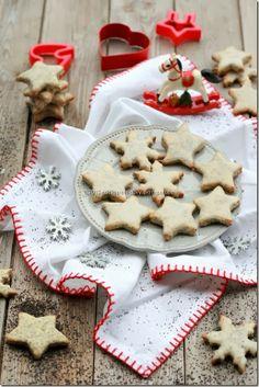 Lemon-poppy stars Poppy, Lemon, Cookies, Stars, Desserts, Christmas, Food, Crack Crackers, Tailgate Desserts