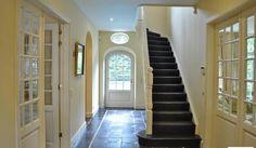 Beste afbeeldingen van hal stairs flush toilet en hallways