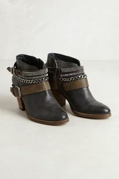 { Chained Ankle Boots }