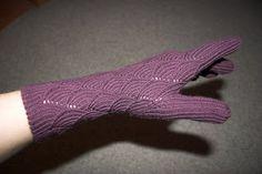 The Yarn Owl: Pomatomus gloves