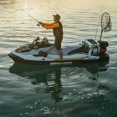 Explore all fishing locations, get closer to the action and experience fishing like never before with Sea-Doo's Fish Pro personal watercraft! Jet Ski Fishing, Sport Fishing, Gone Fishing, Fishing Tips, Fish Crafts, Water Crafts, Pedal Kayak, Jet Skies, Sea Doo