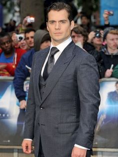 Henry Cavill at Man of Steel Premiere. Can we take a moment and appreciate just how hot he is??????????????? :)