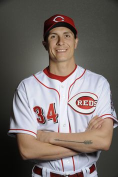 Homer Bailey #34 of the Cincinnati Reds. Pitcher. I don't think I have ever liked a player so much as this man!!!!!! <3