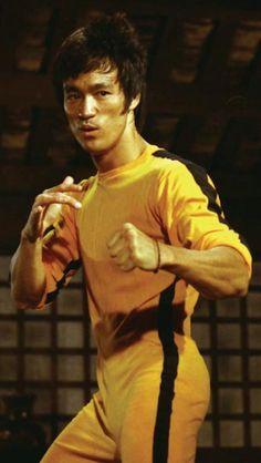 Bruce Lee - Game of Death, fight scene Bruce Lee Master, Bruce Lee Art, Bruce Lee Family, Bruce Lee Martial Arts, Ben Bruce, Brandon Lee, Martial Arts Movies, Martial Artists, Eminem