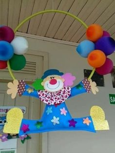 Ideas para decorar una fiesta usando payasos y globos ~ lodijoella Kids Crafts, Clown Crafts, Circus Crafts, Carnival Crafts, Carnival Themes, Diy And Crafts, Arts And Crafts, Paper Crafts, Clown Party