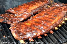 This combination of cooking the ribs low and slow in the oven and then on the grill will make perfect Lip Smacking, Finger Licking, Fall off the Bone Ribs. Best Bbq Ribs, Barbecue Ribs, Ribs On Grill, Barbecue Recipes, Pork Ribs, Grilling Recipes, Cooking Recipes, Healthy Recipes, Smoker Recipes
