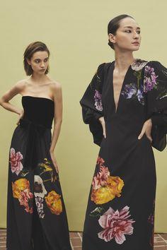 Monique Lhuillier Fall 2019 Ready-to-Wear Fashion Show - Vogue Monique Lhuillier, Fashion Week, New York Fashion, Fashion Trends, Couture Fashion, Runway Fashion, Womens Fashion, Vogue Fashion, Dress Fashion