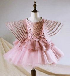 Ribbon Trimmed Bell Sleeve Dress-Light Pink Embroidery Flower Applique Round Neckline Pageant Prom Princess Junior Bridesmaid Ribbon Trimmed Bell Sleeve Dress Perfect for Birthday, Wedding or any special day. Available from 1 until 12 years old Material: Organza, cotton, tulle mesh Please do compare your little girl measurements with our size chart below before deciding her size Girls Party Dress, Little Girl Dresses, Baby Dress, Girls Dresses, Flower Girl Dresses, Flower Girls, Girl Fashion Style, Kids Fashion, Fashion Outfits