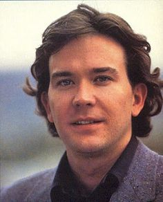 timothy hutton height