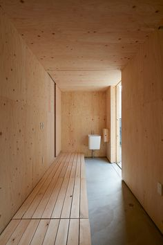 Japanese Modern House, Plywood Design, Plywood Interior, Timber Architecture, Mudroom, New Homes, House Design, Home Decor, Houses
