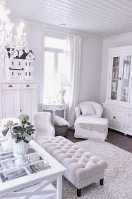 White. *LOVE THE TUFTED BENCH*