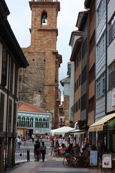 Paseando por las calles de Oviedo,  Astúrias  Spain