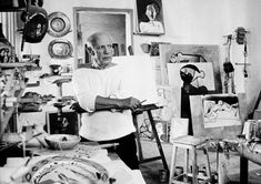 27 Inspiring Portraits Of Famous Artists In Their Creative Zone