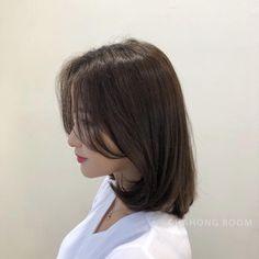 윈드컷 - in 2020 Medium Hair Cuts, Medium Hair Styles, Curly Hair Styles, Asian Short Hair, Girl Short Hair, Lob Hairstyle, Hairstyles, Short Hair Lengths, Shot Hair Styles