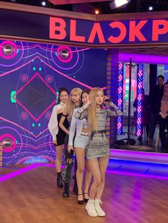 Your source of news on YG's biggest girl group, BLACKPINK! Kpop Girl Groups, Korean Girl Groups, Kpop Girls, Blackpink Photos, Girl Photos, Group Photos, Yg Entertainment, Girls Generation, K Pop