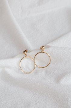 Jea Earrings (Gold)