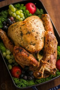 Making a juicy and flavorful Thanksgiving Turkey is easier than you think! A Video for how to make a Thanksgiving Turkey Recipe that your guests will love! Roast Turkey Recipes, Leftover Turkey Recipes, Chicken Recipes, Thanksgiving Turkey, Thanksgiving Recipes, Holiday Recipes, Dinner Recipes, Christmas Turkey, Christmas Desserts