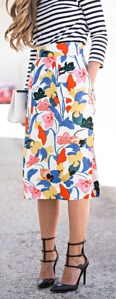 Worry not, here are some summer style outfit ideas, Summer Fashion, Summer Dresses, Spring Outfits to make you look slim and sexy. Summer Outfits 2017, Summer Fashion Outfits, Work Fashion, Spring Outfits, Spring Fashion, Printed Skirt Outfit, Printed Skirts, Skirt Outfits, Stripe Skirt