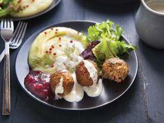 polpette svedesi in versione veg Light Recipes, Baked Potato, Carne, Potato Salad, Potatoes, Baking, Ethnic Recipes, Food, Balls