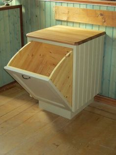 wld be perfect for laundry Woodworking Projects Diy, Diy Wood Projects, Home Projects, Diy Kitchen, Kitchen Decor, Wood Trash Can, Trash Can Cabinet, Pallet Furniture, Home Kitchens
