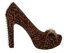 Pair this edgy and dangerous heel with skinny jeans and a flowing blouse to stop any crowd. Vince Camuto Jamma