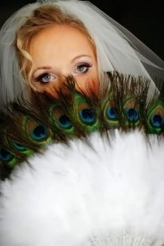 Peacock Feather Wedding/Bridal Bouquets - Flower Arrangement Ideas For Peacock Themed Weddings