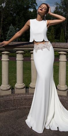On Trend: 24 Bridal Separates – Breaking The Rules Bridal Separates Gowns – Breaking The Rules See more: www.weddingforwar… Source by duygucusena The post On Trend: 24 Bridal Separates – Breaking The Rules appeared first on The Most Beautiful Shares. Summer Wedding Gowns, Dream Wedding Dresses, Bridal Dresses, Prom Dresses, 2017 Wedding, Red Wedding, 2017 Bridal, Bridesmaid Gowns, Gown Wedding