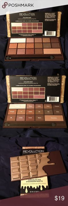 MAKEUP REVOLUTION Golden Bar Eyeshadow Palette Makeup Revolution's most luxurious chocolate bar palette yet! This irresistible Golden Bar Eyeshadow Palette includes 16 matte and shimmer shades - a collection of their finest light to dark shadows for every makeup and chocolate lover's dream! Full size mirror and foam applicator brush included. MAKEUP REVOLUTION Makeup Eyeshadow
