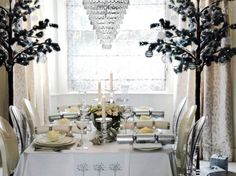 Dining Room, Enchanting And Luxurious Christmas Table Settings Design Ideas With White Nuance And Chandelier Featuring Christmas Trees: How To Set A Beauteous Christmas Table Design Ideas