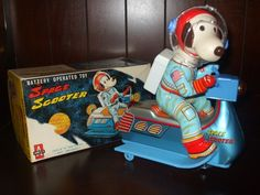 Space Age Snoopy! VINTAGE 1960's AMICO SNOOPY SPACE SCOOTER TIN TOY - MADE IN JAPAN #3918 | eBay