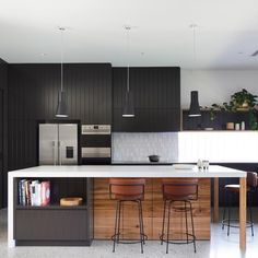 Seamless design with Caesarstone® Fresh Concrete™. Continuity flows throughout Reid House with Fresh Concrete™ benchtops, dark cabinetry… Black Kitchens, Cool Kitchens, Fresh Concrete Caesarstone, Minimalist Apartment, Cabinet Makers, Exposed Brick, Wooden Flooring, Kitchen Design, Kitchen Ideas