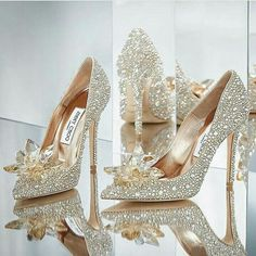 Crystal shoes, bling bling shoes, wedding shoes, bridal shoes EU Size heel size color: Golden or silver Bling Shoes, Fancy Shoes, Pretty Shoes, Beautiful Shoes, Cute Shoes, Bling Bling, Me Too Shoes, Crazy Shoes, Gorgeous Heels