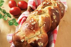 Τσουρέκια με προζύμι-featured_image Greek Easter Bread, Crepes And Waffles, Pancakes, Greek Cooking, Food Categories, Easter Recipes, Easter Food, Sausage, Food And Drink