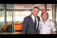 Martin Whitmarsh (McLaren CEO) receives Checo Perez