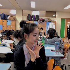 Pretty Korean Girls, Cute Korean Girl, Asian Girl, Teenage Girl Photography, Girl Photography Poses, Korean Aesthetic, Aesthetic Girl, Japanese Aesthetic, Beige Aesthetic