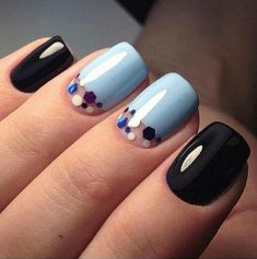 stylish dress before the New Year. There are new nail trends replaced by others year after year. Some nail designs give way to others and become less popular. Nails for New Years 2018 will be special too. We'll tell you about preferred colors, fashionable Fancy Nails, Cute Nails, Pretty Nails, Gorgeous Nails, Nagellack Trends, Manicure E Pedicure, Manicure 2017, Moon Manicure, Moon Nails