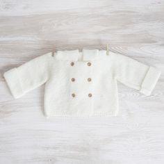 Abrigo con capucha para bebé tejido a mano de A Little Dress por DaWanda.com Unisex, Etsy, Knitting, Crochet, Kids, Dress, Mesh, Hooded Coats, Cowls
