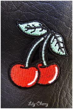 Patch écusson brodé thermocollant cerise pin-up x1 : Déco, Customisation Textile par lilycherry