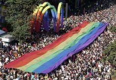 Puna podrška za gej paradu!
