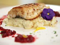 Peixe ao molho de framboesas | Natal Bem Simples | Receitas  | Bemsimples.com