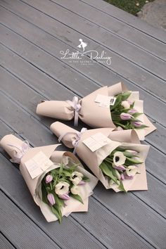 Tips On Sending The Perfect Arrangement Of Flowers – Ideas For Great Gardens Small Flower Bouquet, Flower Bar, Flower Boxes, Small Flowers, Dried Flowers, Paper Flowers, Pretty Flowers, Bouquet Wrap, Hand Bouquet