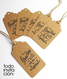 etiquetas kraft para detalles regalos invitados boda bautizo comunion Wedding Signs, Wedding Cards, Wedding Ideas, Bridal Shower, Baby Shower, Ideas Para Fiestas, Welcome Gifts, Name Cards, Hang Tags
