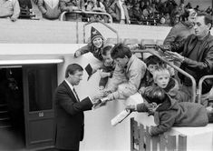 Alex Ferguson signs autographs for fans at his first match as United manager at Oxford in 1986 Liverpool Images, Manchester United Images, Manchester United Players, Norman Whiteside, Oxford United, Bobby Charlton, Blackburn Rovers