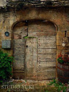 Foto de puerta antigua rústica puerta francesa por StudioYuki, $15.00