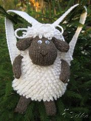"ryukzachek ""Sheep"" from ""belochka"" So cute too bad i can't read the pattern on the blog."