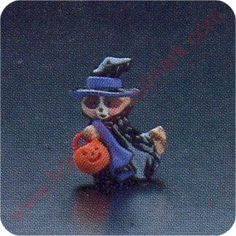 1987 Raccoon Witch - Merry Miniature